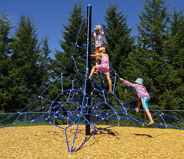 Playground Net Climbers :: Dynamo DX Genesis Regular